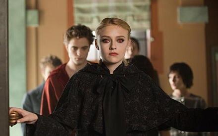 """Dakota Fanning drehte bereits mit Größen wie Tom Cruise. Jetzt spielt sie in der """"Twilight""""-Saga das Vampirkind Jane Volturi."""