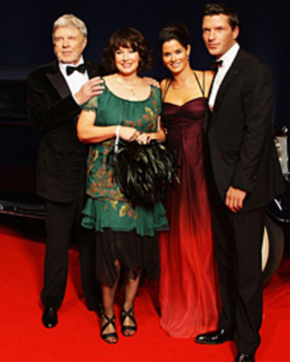 Familienbande: Hardy Krüger mit seiner Ehefrau Anita und Sohn Hardy Krüger jr. mit seiner Frau Kathrin.