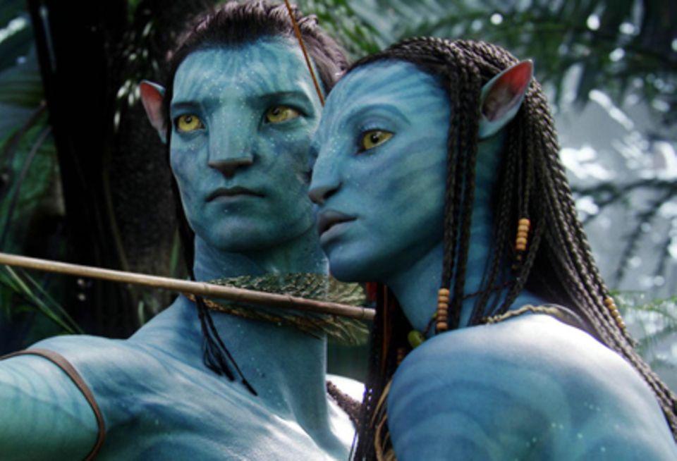 Zwischen Jake (Sam Worthington) und Neytiri (Zoe Saldana) entwickelt sich eine Dschungel-Romanze.