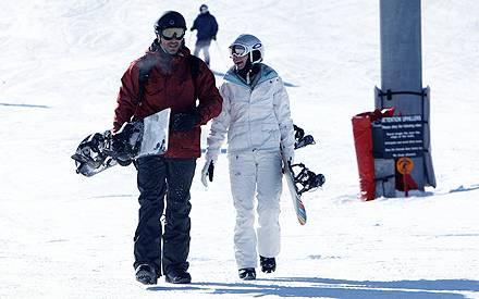 LeAnn Rimes und Eddie Cibrian haben bei ihrem Snowboard-Ausflug in Aspen sichtlich gute Laune.