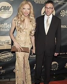 """Lorielle London und ihr Freund Jobst von Harlessem zeigten ihre Liebe bei der Charity-Gala """"Jummimüüs""""."""
