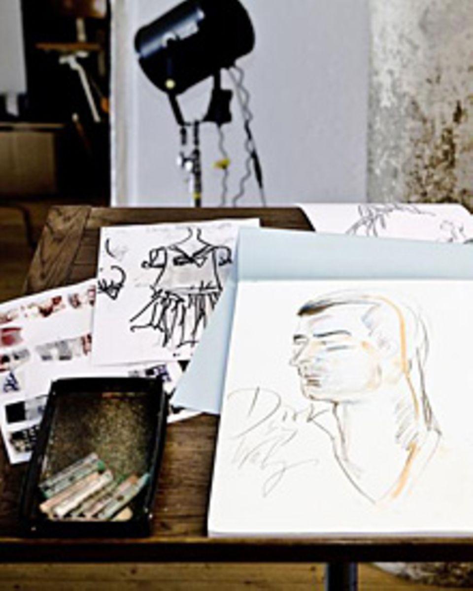 Als Dankeschön fertigte Wolfgang Joop für jeden Teilnehmer eine Zeichnung an. Die Skizze zeigt Grafiker Dirk Friedrich.