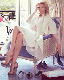 Was wäre das Leben einer Frau ohne ihre Schuhe? Claudia Schiffer für Ferragamo.