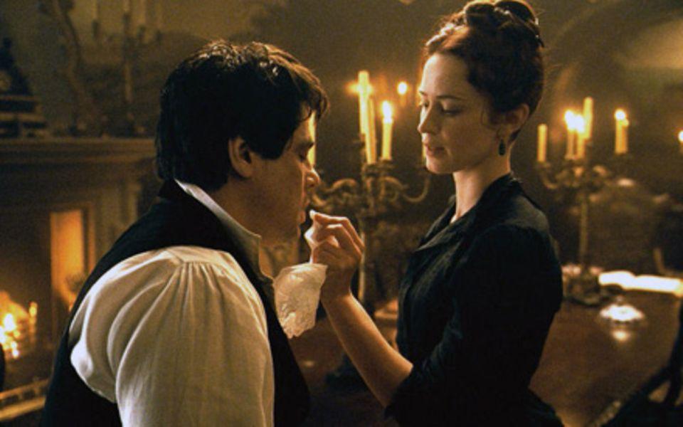 """Im Horrorfilm """"Wolfman"""" (ab 11. Februar im Kino) spielt Emily Blunt mit einem ihrer Lieblingsstars, Benicio del Toro."""