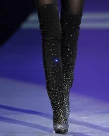 Overknees de Luxe: Das Berliner Label Kaviar Gauche hat eine umwerfende Schuhkollektion exklusiv für das Traditionsunternehmen G