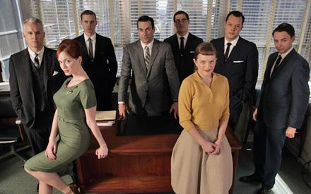 """Retro-Chic: Seit """"Sex And The City"""" ist keine TV-Serie derart ins Blickfeld der Modewelt gerückt wie """"Mad Men""""."""
