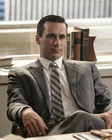 """""""Mad Man"""" Don Draper, gespielt von Jon Hamm, ist Kreativdirektor der Werbeagentur Sterling Cooper."""