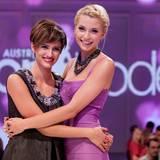 "Aylin Kösetürk, hier neben Moderatorin Lena Gercke, ist ""Austria's Next Topmodel""."