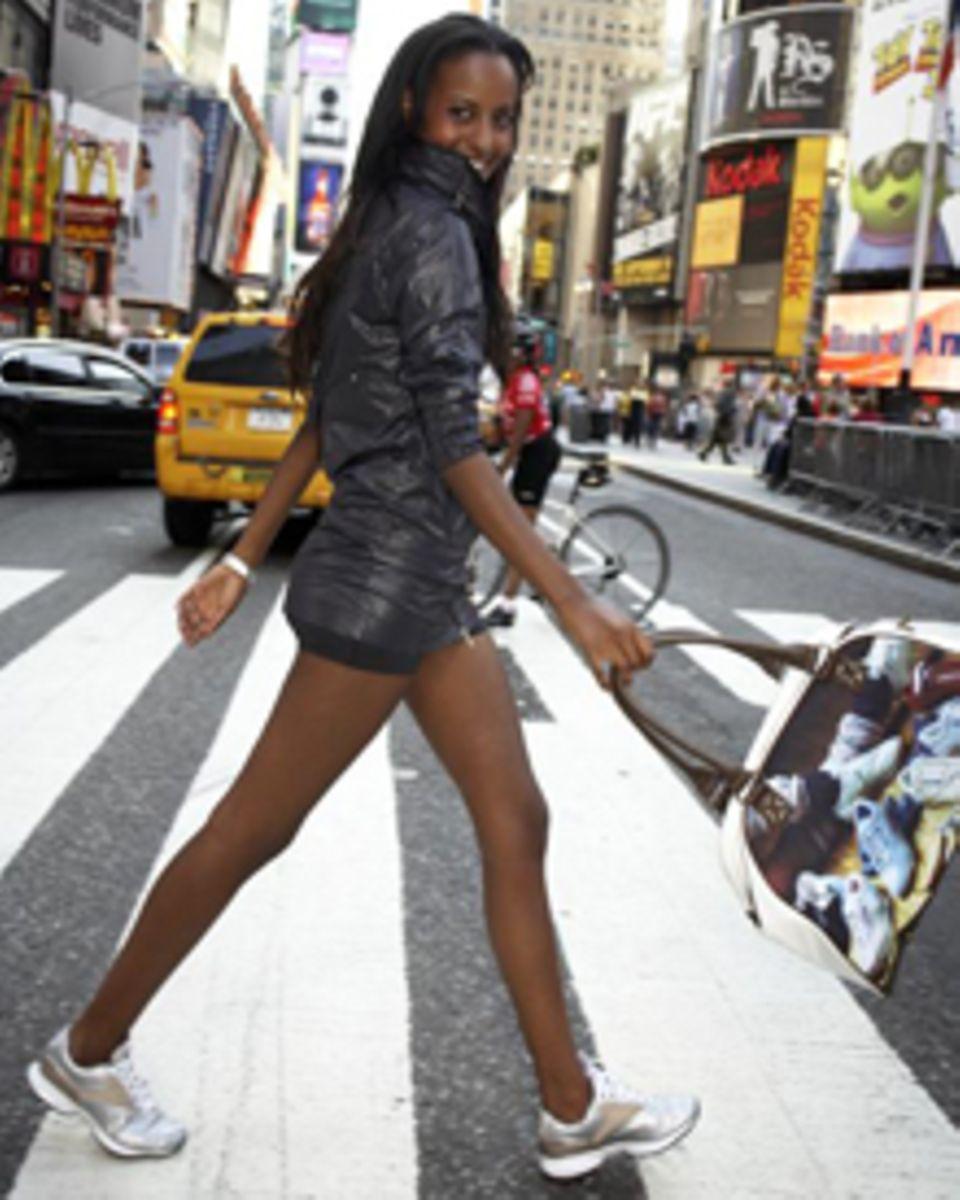 Sara Nuru beim Reebok-Shooting in New York. Der Easytone-Schuh ist der Star der Sommerkollektion.
