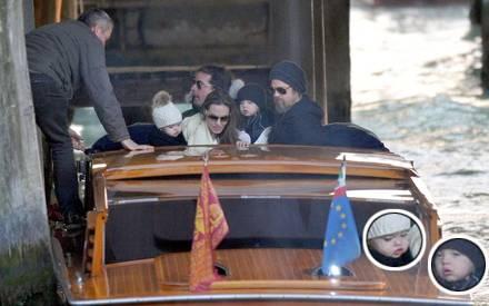 Auch die Zwillinge von Angelina und Brad sind endlich wieder zu sehen.