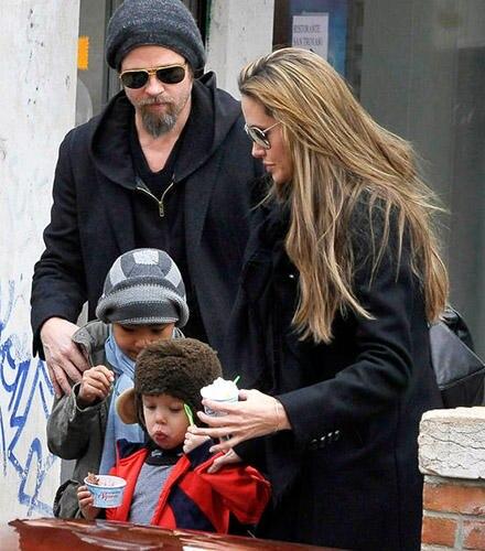 """Angelina Jolie fängt in Venedig mit den Dreharbeit für """"The Tourist"""" an."""