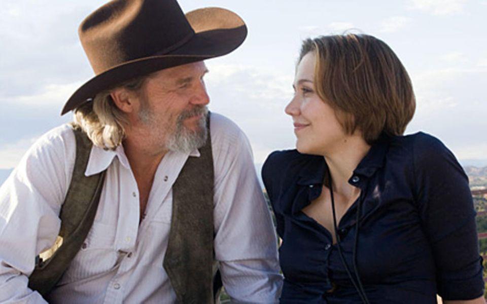"""""""Crazy Hearts"""": Für Jean (Maggie Gyllenhaal) will Bad Blake (Jeff Bridges) ein besserer Mensch werden. Daher muss er sich entsch"""