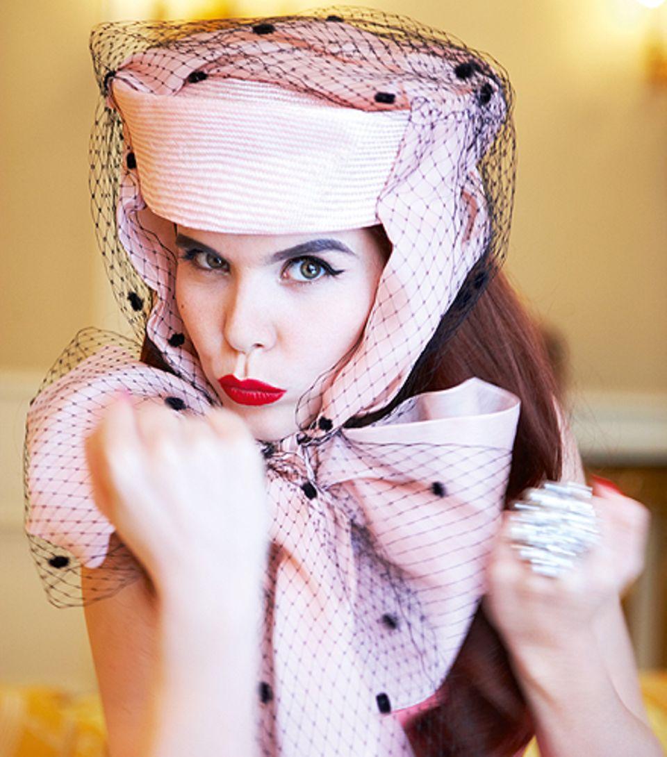Paloma Faith sagt Amy Winehouse und Lady GaGa den Kampf an.