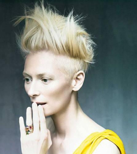 Wer ist die schönste im ganzen Land? Jeder Ring an Tilda Swintons Finger steht für eine andere Gemütsverfassung.