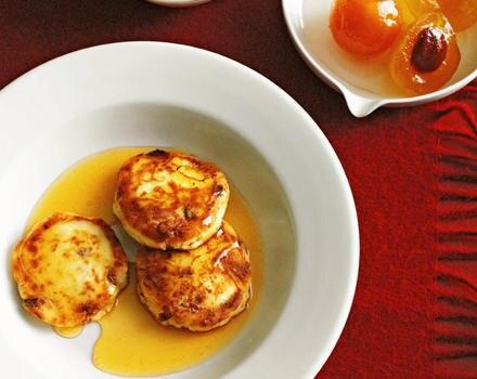 Quarkküchlein mit Honigsirup