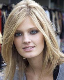Constance Jablonski ist gebürtige Französin und lebt seit 2008 in New York.