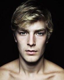 Der natürliche Look des Abiturienten Kim-Fabian von Dall'Armi entspricht dem aktuellen Schönheitsideal der Modebranche.