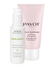 "What a Peeling: ""Green Science Perfecting Cleanser"" von Aveda, 125 ml, ca. 29 Euro, und ""Doux Gommage"" von Payot, 75 ml, ca. 38"