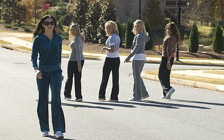 Da staunen die Damen nicht schlecht: Demi Moore trägt die Wunderschuhe.