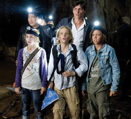Das Tiger-Team am Ziel der Reise: Im Inneren des sagenumwobenen Mondscheinpalastes am Berg der 1.000 Drachen.