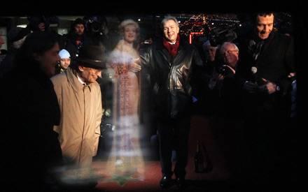 Großer Augenblick: Im Februar entüllte Berlins Bürgermeister Klaus Wowereit den Stern von Marlene Dietrich.