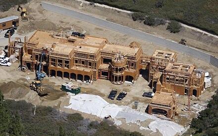 Im Nobelviertel Brentwood, Los Angeles, wird derzeit am künftigen Familiendomizil von Gisele Bündchen und Tom Brady gebaut. Als
