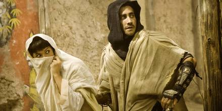 Prinz Dastan (Jake Gyllenhaal) und Prinzessin Tamina (Gemma Arterton) sind auf der Flucht.