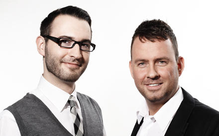 """Christian Möller, 29, und Oliver Hedfeld, 37, touren als """"Trendnasen"""" für Douglas durch die Welt und sind verantwortlich für das"""