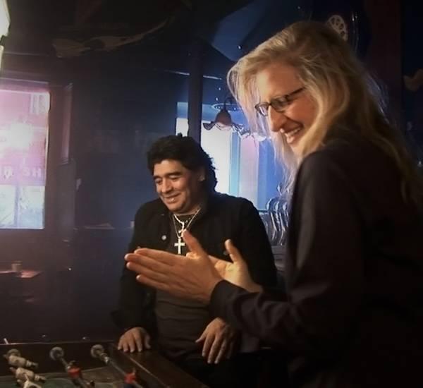 Diego Maradona und Fotografin Annie Leibovitz sind mit dem Ergebnis der Fotos zufrieden.
