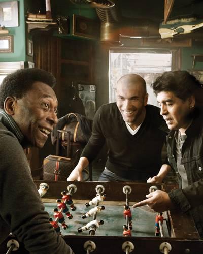 Kicker-Duell: Pelé, Zinédine Zidane und Diego Maradona liefern sich ein heißes Match.