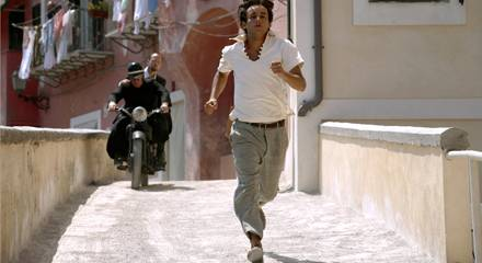 immer auf der Jagd nach dem passenden Geschenk: Marcello (Francesco Mistichelli).