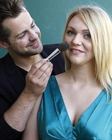 Die Gewinnerin und ihr persönlicher Dior-Visagist Norman Pohl.
