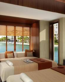 Der private Insel-Spa lässt mit Vitality-Pools, Yoga-Pavillon und dualen One-&-Only-Signature-Treatments keine Wünsche offen.