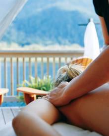 Beauty goes Wildwest: Die Treatments kann man unter freiem Himmel oder in einer Spa-Blockhütte genießen.
