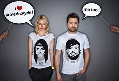 """Die T-Shirt von Eva und Niklas sind ab dem 15. Juli im Online-Store von """"armedangels"""" erhätlich."""