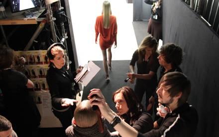 Action! Hinter den Kullisen der Allude-Show während der Mercedes-Benz Fashion Week in Berlin.