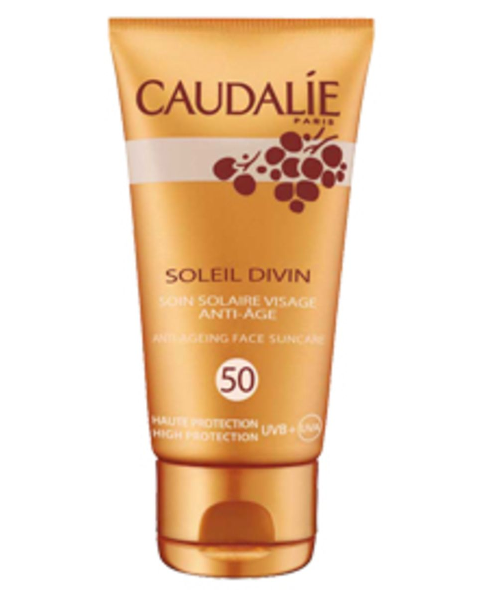 Caudalie, Soleil Divin, Anti-Age Sonnenpflege für das Gesicht LSF 50, 40 ml, ca. 26 Euro.