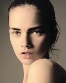 """Next-Generation-Model von IMG Berlin: Sharon, 18, arbeitet für Fashion-Magazine wie """"W"""" und die japanische """"Vogue"""". Auf dem Runw"""