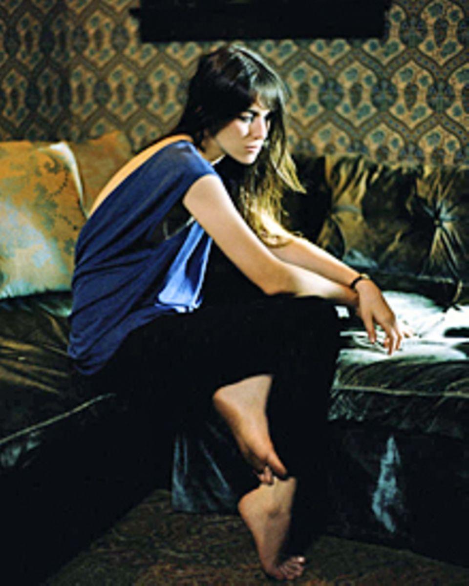 Scheue Künstlerin: Charlotte Gainsbourg, 39, hat heute noch Lampenfieber, wenn sie auf die Bühne geht. Richtig wohl fühlt sie si