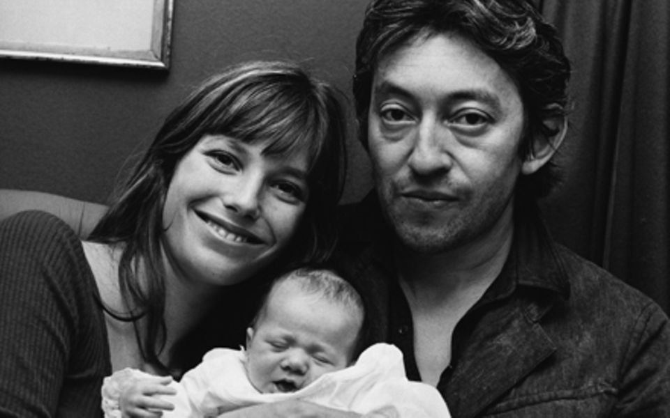 Berühmte Familie: Das Glamour-Paar Jane Birkin und Serge Gainsbourg mit ihrer gemeinsamen Tochter Charlotte im August 1971.