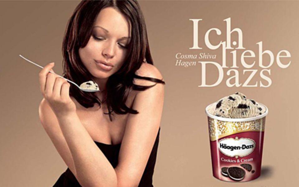 Cosma Shiva Hagen ziert auch die neue Kampagne von Häagen-Dazs.