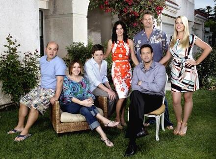 Courteney Cox Arquette, Christa Miller, Busy Philipps, Dan Byrd, Josh Hopkins, Ian Gomez und Brain Van Holt (von links nach rech