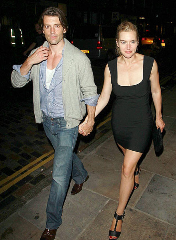 Kate Winslet und Louis Dowler sind verliebt im Londoner Nachtleben unterwegs.