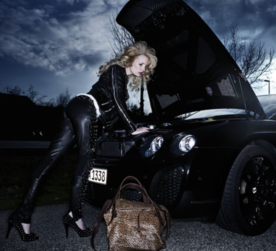 Model Mirja Du Mont in der Rolle der stylishen Glamour-Braut.