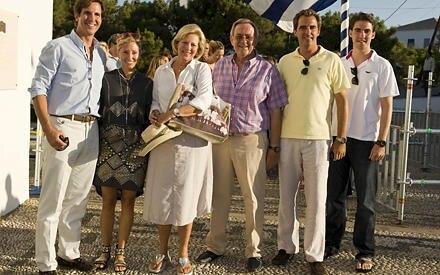 Kronprinz Pavlos, Kronprinzessin Marie Chantal, Königin Anne Marie, König Constantine, Prinz Nikolaos und Prinz Philippos bei de