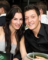 Anna-Maria Lagerblom, Mesut Özil