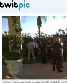 Die Polizei bei der Verhaftung des Einbrechers vor der Villa von Paris Hilton.