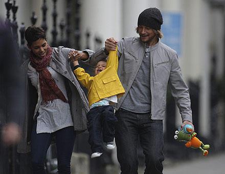 Glückliche kleine Familie? Sieht ganz so aus.