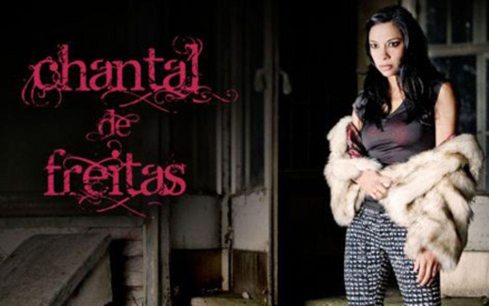 """Das Albumcover von Chantal de freitas' Debutalbum """"Independence"""", fotografiert von ihrem Mann Kai Wiesinger."""