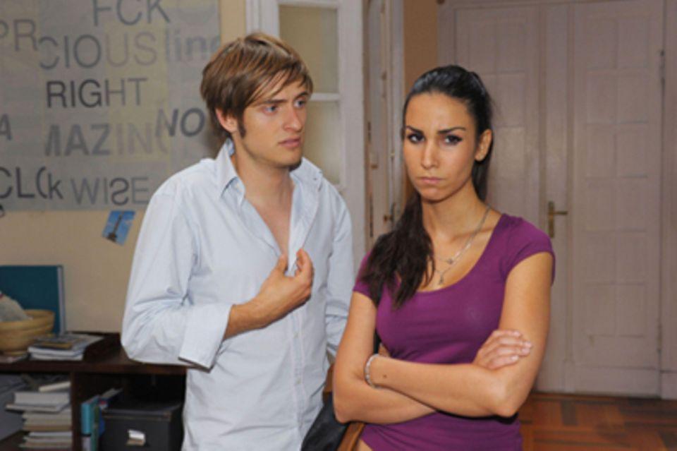 "In der Soap ""GZSZ"" kämpft Philipp (Jörn Schlönvoigt) um Aylas (Sila Sahin) Liebe."